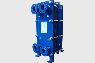 Plate heat exchanger with flange interface